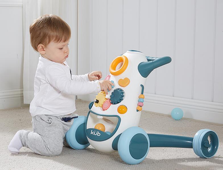 学步车能不能给宝宝使用 看完你就明白了