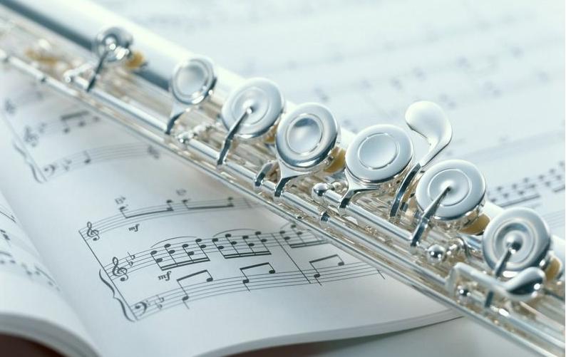 长笛初学入门指法表 长笛与短笛有哪些区别