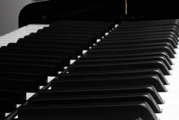 三角钢琴小知识:带你深入了解三角钢琴